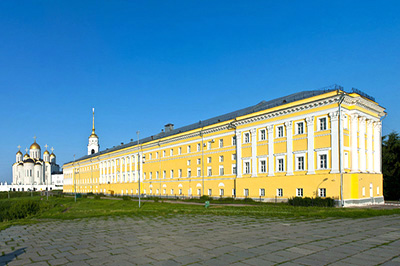 Владимир: Здание Присутственных мест и Музей Палаты