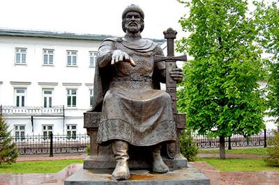 Кострома: памятник Юрию Долгорукому